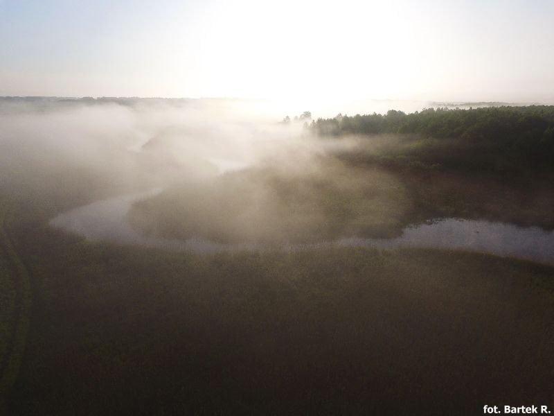 rzeka Biebrza z drona