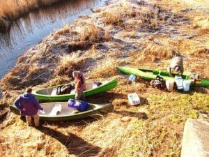 Co zabrać na spływ kajakowy